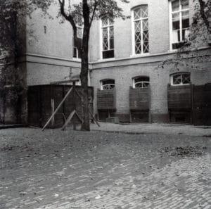 Binnenplaats Stadhouderskade in 1943